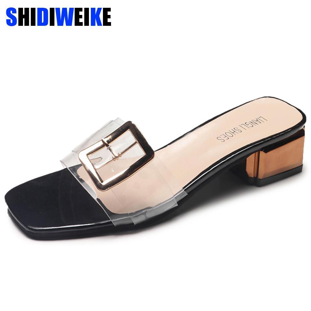 bd65f0da7c Compre 2019 Verão Mules Mulheres Sapatos De Mulher Transparente Calcanhar  Med Casual Sapatos Femininos Partido Feminino Fivela De Metal Chinelos  Elegantes ...
