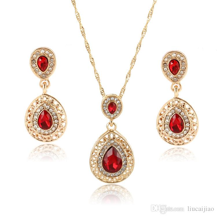 Europe and the United States hot new earrings necklace set combination crystal earrings drop pendant jewelry three-piece