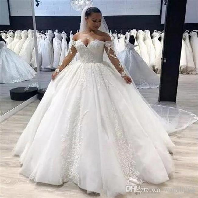 0649988b580d Plus Size Ball Gown Wedding Dress Vintage Lace Appliques Off Shoulder Long  Sleeves Wedding Gowns 2019 Zipper Back Country Bridal Gowns Islamic Wedding  ...