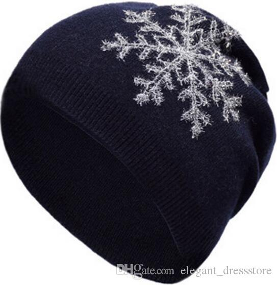 2018 new fashion embroidery ladies knit hat winter cashmere warm cover hat