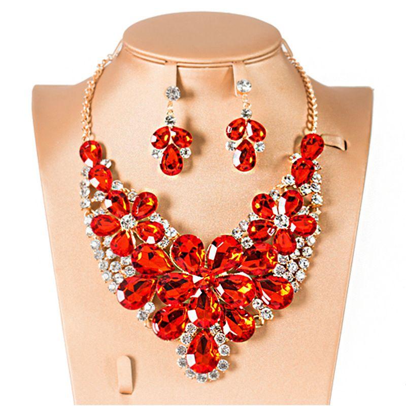 c106faf72018 Compre Hermoso Y Lujoso Collar De Flores De Cristal De Cristal Rojo Con  Aretes Para Mujer Joyería Moda Ropa Decoraciones Conjunto De Joyas A  32.93  Del ...