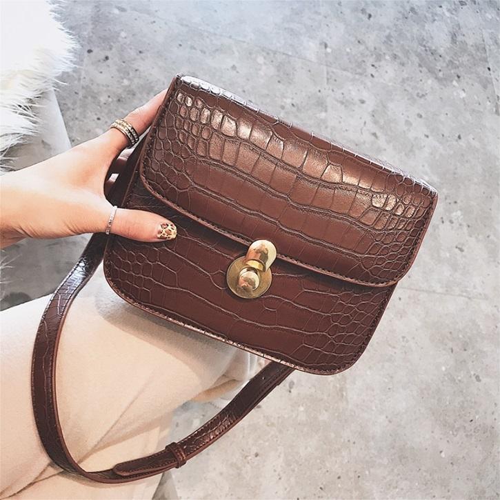 2019 New Women Handbags Trend Alligator Bag Retro Korean Version Shoulder  Bag Fashion Woman Messenger Bags Luxury Handbags Leather Handbag From  Keeping08 c5fc6dda0d6df