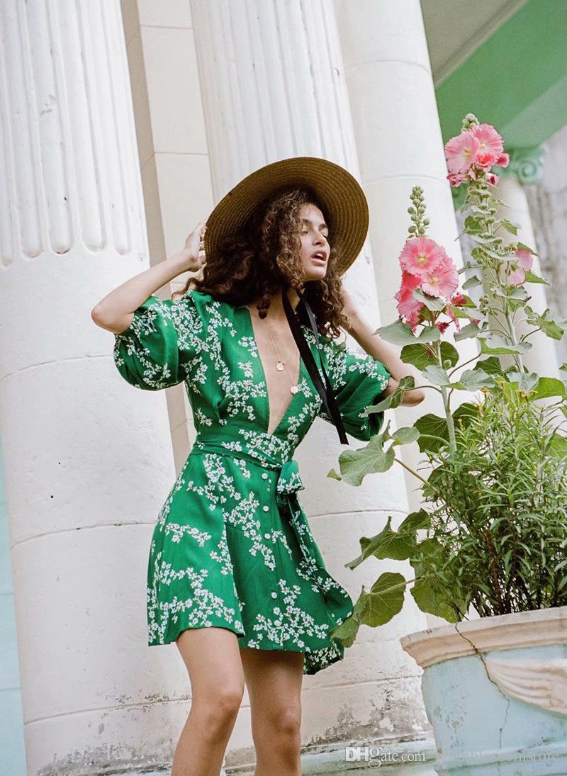 13058a0a20 Compre Elegante Vestido Estampado Floral De Las Mujeres 2019 Chic Spring  Bohemian Beach Fajas Verdes Vestidos Cortos De Fiesta Casual V Cuello  Feminino Una ...