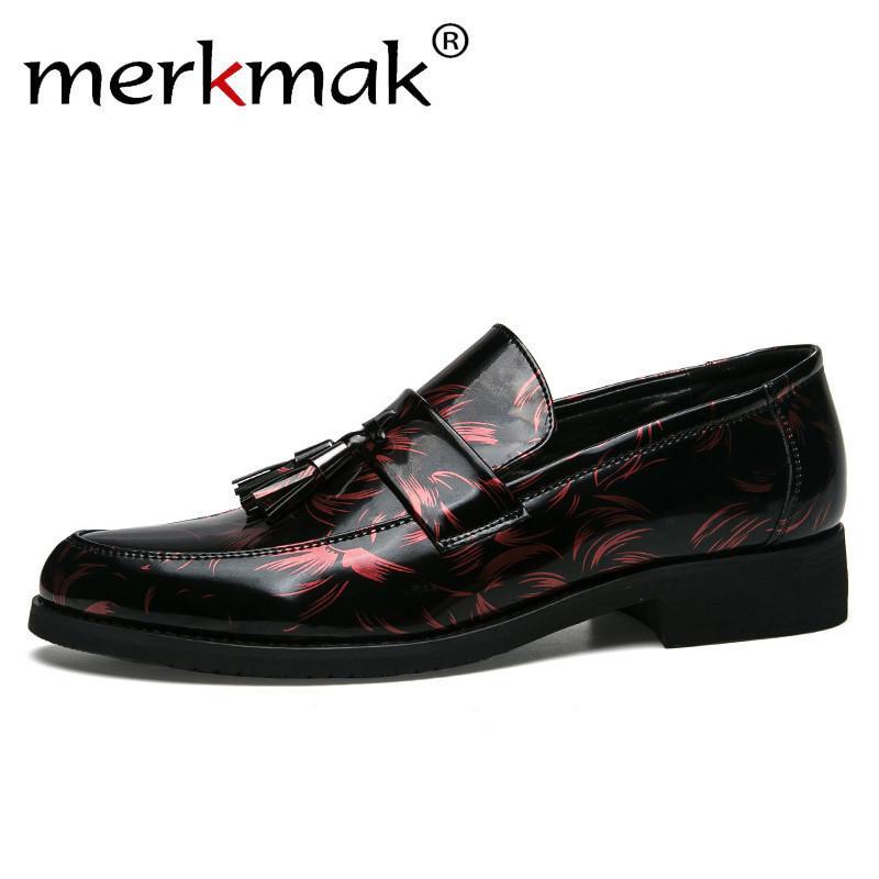 2372bdb296666 Compre 2019 Merkmak Men Mocasines Elegante Marca Hombres Zapatos De Vestir  Estilo Italiano Citas Negro Plata Azul Hombre Mocasines De Borla Zapatos  Casuales ...