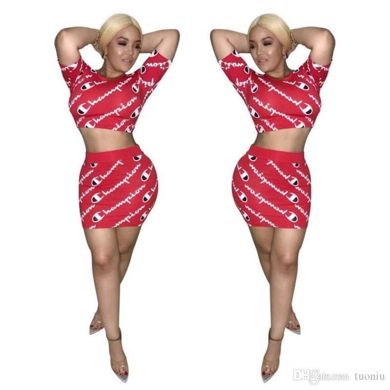 937e25d17765 Frauen Champions Brief Zweiteiler Kurzarm T-Shirt Crop Top Kurzen Rock  Kleid Trainingsanzug Sommer Outfit Street Fashion Outwear