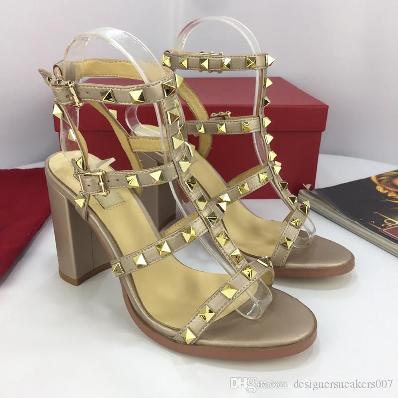 a380f99d1000 2019 Designer Slides Women Sandals Europe Brand Fashion Mens Sandals Causal  Summer Huaraches Slippers Flip Flops Slippers Yz19012904 Knee High Boots  Womens ...