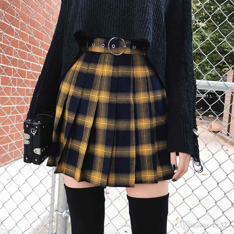 92bcf7514 Otoño Invierno Harajuku Moda Mujer Faldas Lindo Amarillo Negro Rojo Celosía  Falda Plisada Estilo Punk Cintura Alta Falda Corta Mujer