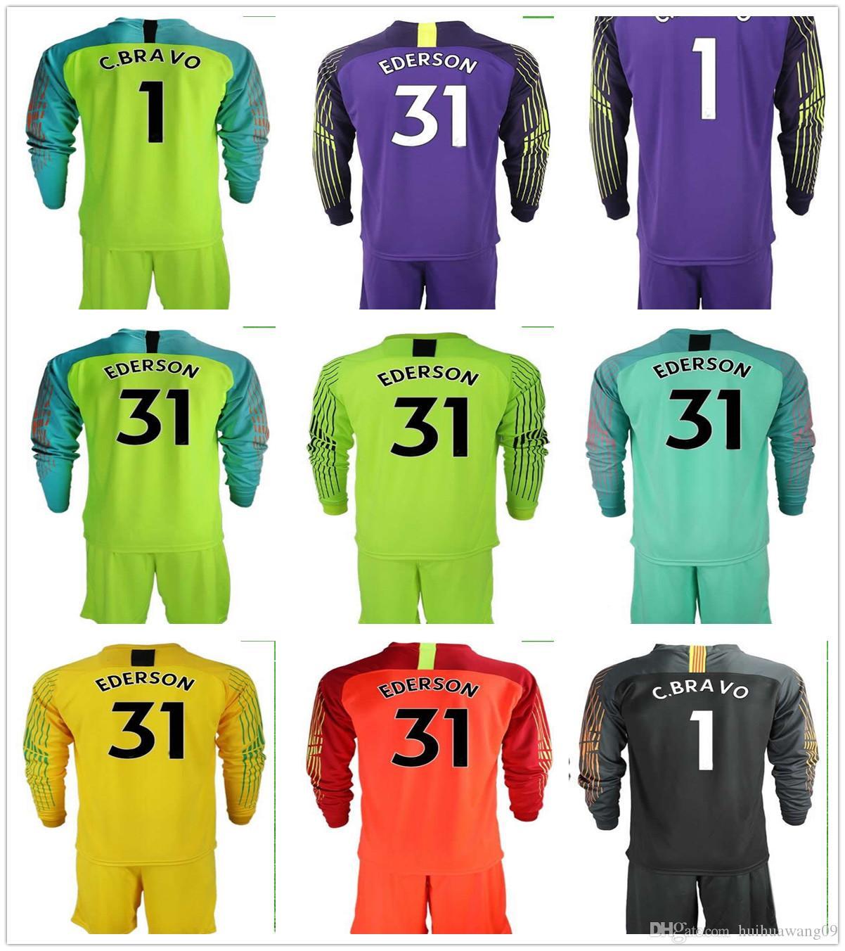 b872ca0cac290 Compre 2018 2019 Camisas De Futebol De Manga Longa Cidade Azul Da Lua  Cláudio Bravo Jaqueta De Goleiro # 1 C. Bravo # 31 Ederson Uniformes  Adultos Conjuntos ...