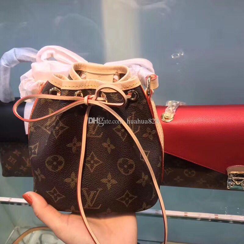 0ef2b49ae5253 Großhandel AAA Top Qualität Mode Leder Eimer Taschen Für Frauen Und Kinder  Alte Blumenmuster Kleine Mini Ausschnitt Umhängetasche Von Huahua828