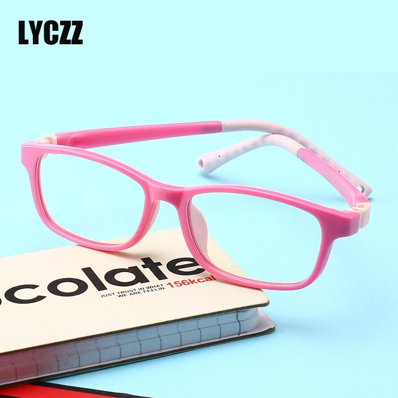 b2d05a0f5e828 Compre LYCZZ Criança Óculos De Armação Para O Menino Meninas Crianças Óculos  De Armação Flexível Anti Azul Óculos De Luz Para A Visão De Proteção  Correção ...