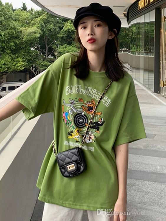 a8bb6fdeae Spring and summer 2019 new women's wear students leisure cartoon print  T-shirt, short-sleeved blouse, loose Korean version clothing trend