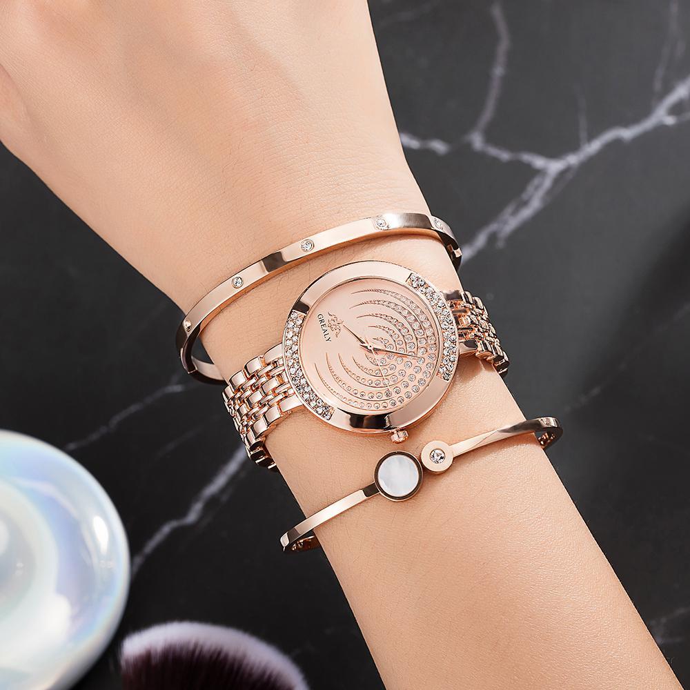 281027c9682f Compre Top Designer 4 UNIDS Mujer Juego De Reloj Pulsera Incluye Brazalete    1 Relojes   1 Caja De Reloj Juego De Regalo Grande Para Novia Caliente A   38.13 ...