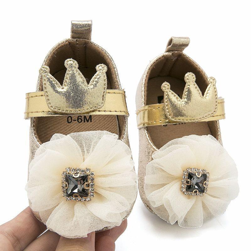 955cfbb08f644 Acheter Bébé Filles Princesse Chaussures Printemps Automne PU Mignonne  Couronne De Fleurs Anti Slip Toddler Chaussures Bébé Lit Souple Intérieur  Berceau Sz ...