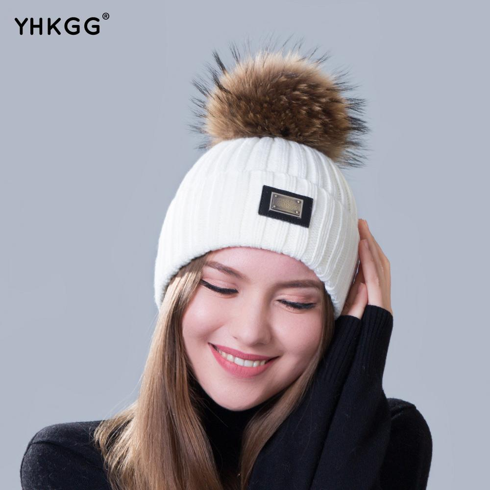 2018 New Knitted Hat Fashion Women Big Real Raccoon Fur Pom Pom Caps  Crochet Hats For Women Winter Cute Casual Cap Women Beanies S18120301 Knitted  Hats Knit ... 1d0ae39fd4c