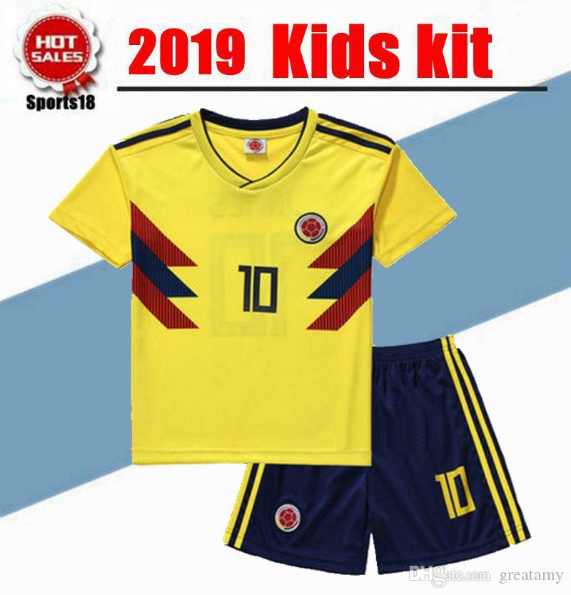 2cd90ac0044 2019 2019 Kids Kit Colombia Home Away Soccer Jerseys Kits 2018 World Cup  FALCAO JAMES CUADRADO AGUILAR GUARIN C.SANCHEZ Football Shirt From  Greatamy, ...