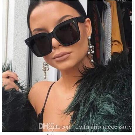 Acheter 2019 Kim Kardashian Lunettes De Soleil Lady Flat Top Lunettes  Lunette Femme Femmes De Luxe Lunettes De Soleil De Marque Femmes Rivet Sun  Glasse ... d9ff5bf3fa8b