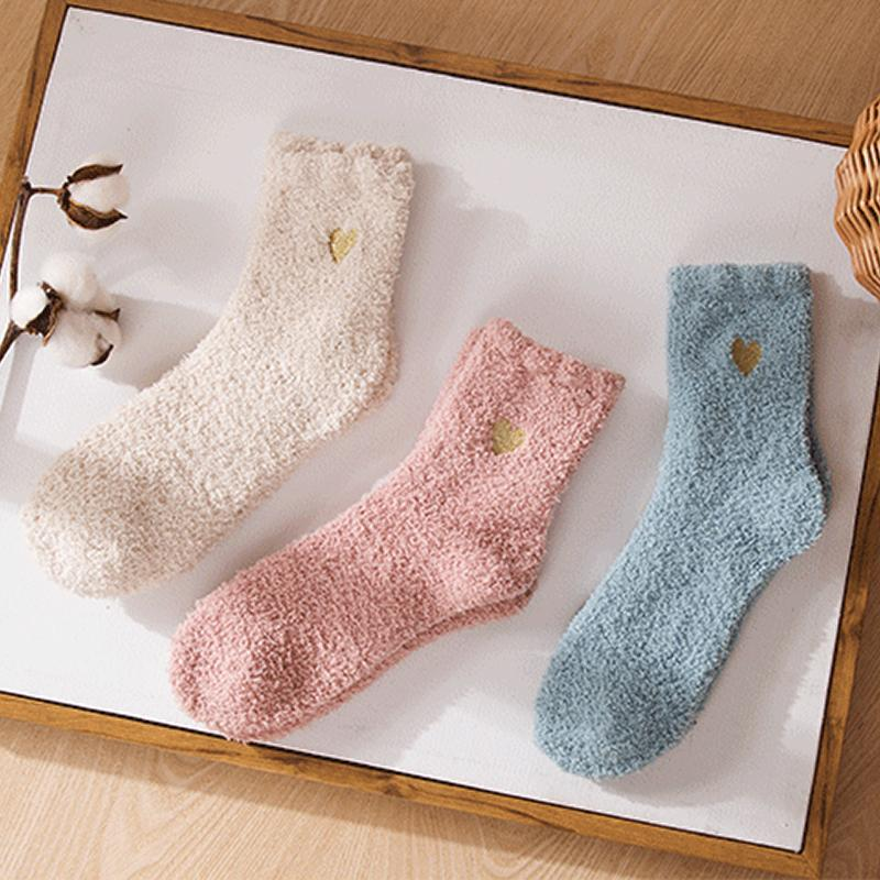 2019 8 Colors Girls Love Heart Socks Women Autumn Winter Half Velvet Fuzzy Socks Soft Thicken Warm Fluffy Coral Stockings Party Gift M748F