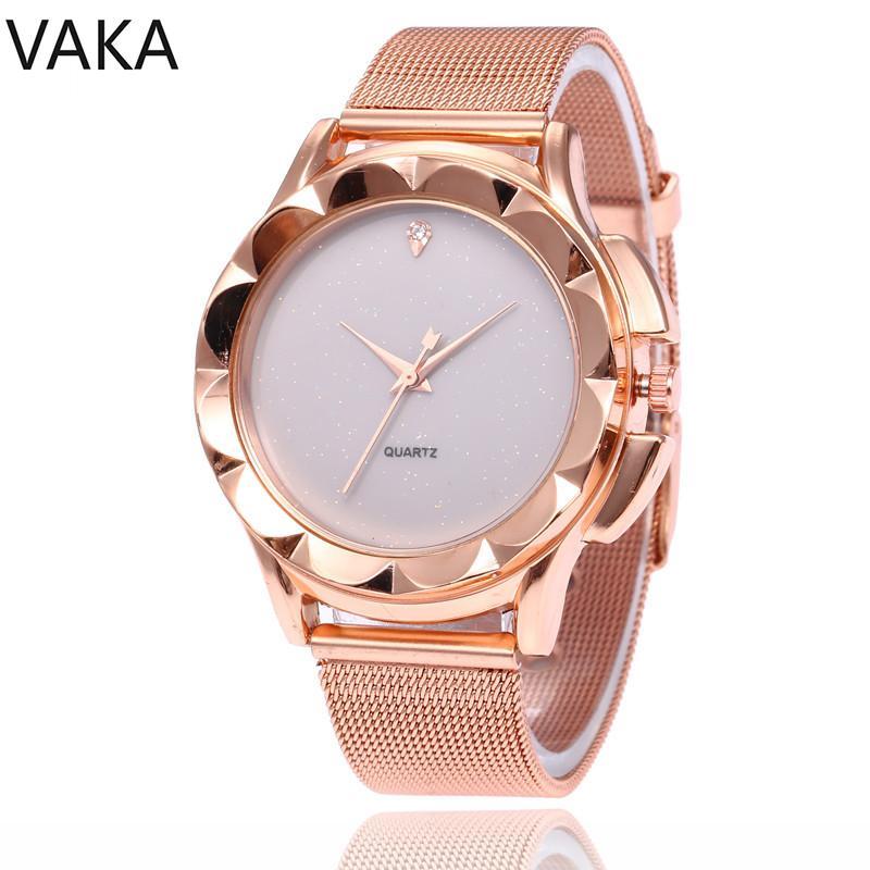9221498ef78 Compre Quartzo Aço Correia Diamante Senhoras Moda Relógio Mulher Europeu Luxo  Relógio Feminino Esportes De Value333