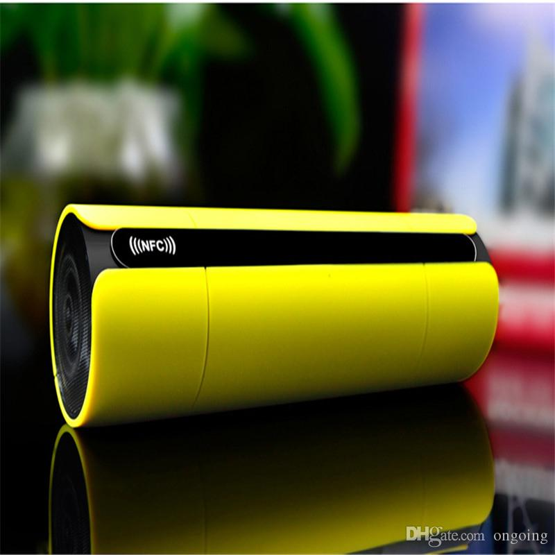 Hot KR8800 Portable Mini Bluetooth Speaker Wireless Super Bass Speakers with NFC LCD Screen FM Radio TF Card Sound Box for Phone MP 4 Pplaye