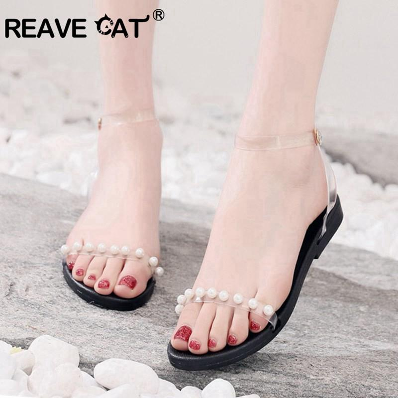 REAVE CAT Perle trasparenti PU sandali in pelle da donna Casual Summer Beach Shoes Ragazza comode Flats Black Plus Size 34-43