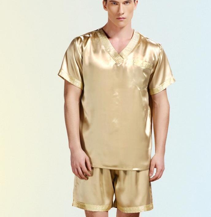 9e25fa827b13c Compre Nuevos Pijamas De Verano Para Hombres Ropa De Dormir De Seda  Pantalones Cortos De Manga Corta Para Hombre Conjuntos 100% Satén De Seda  Pijamas Para ...
