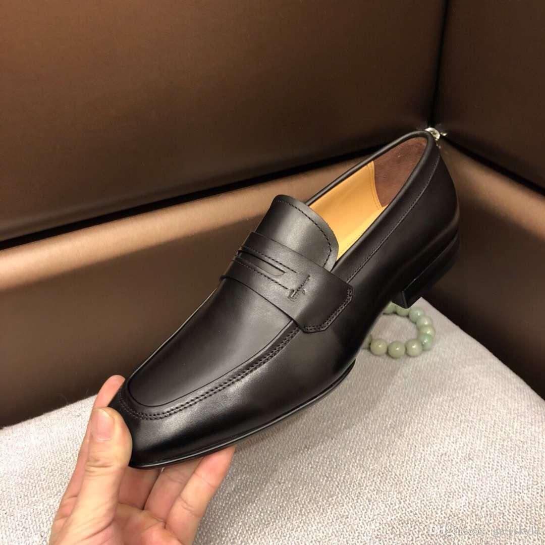 b9f5615fa5bfe Acquista Brand Design Uomo Vestito In Pelle Di Mucca Scarpa Da Sposa  Sfilata Di Moda Vestito Formale Business Scarpa Da Ufficio Fibbia In  Metallo Mocassini ...