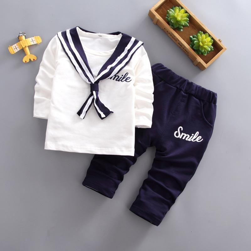 Compre Boa Qualidade Outono Meninos Conjunto De Roupas De Algodão Da  Marinha T Shirt + Calça Treino Conjunto Crianças Roupas Crianças Bebe  Esporte Terno ... 699f6d556f7