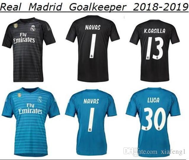 Compre Uniforme De Fútbol Negro Del Portero Del Real Madrid 19 Camiseta De  Fútbol Azul Del Portero 2019   25 De Real Madrid   1 NAVAS A  21.2 Del  Xiafeng1 ... 702301144664a