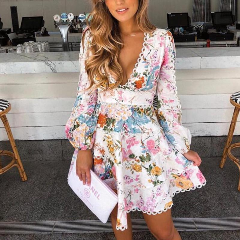 5cc060a2df3 Compre Vestido Corto Con Volantes Y Estampado Floral De Encaje Con  Estampado Floral De Manga Larga Blusa Con Cuello En V Profundo Vestidos Con  Flecos En ...
