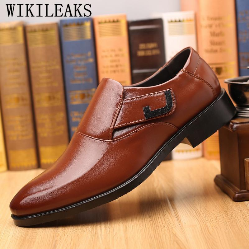 ac9520c6 Compre Zapatos Oxford Negros Para Hombre Vestido De Novia 2019 Zapatos De  Hombre De Vestir Zapatos Formales De Hombre Zapatos De Vestir Elegante  Hombre.