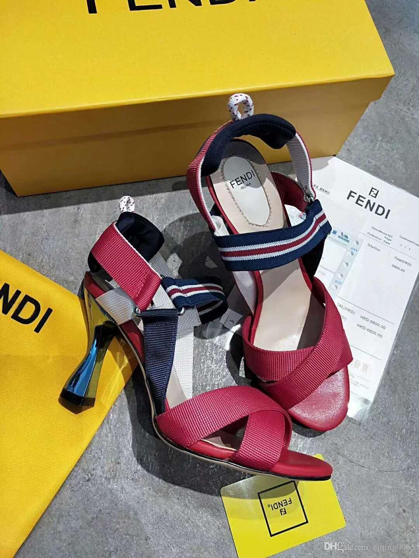 e55abe35a Compre Novas Prateleiras De Couro 2019 De Salto Alto Das Mulheres Designer  Exclusivo Apontou Vestido Sapatos De Casamento Sapatos De Marca Sexy Carta  ...