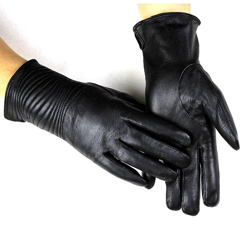 Leather gloves women's plus velvet autumn and winter warm discount price direct black short outdoor riding sheepskin gloves