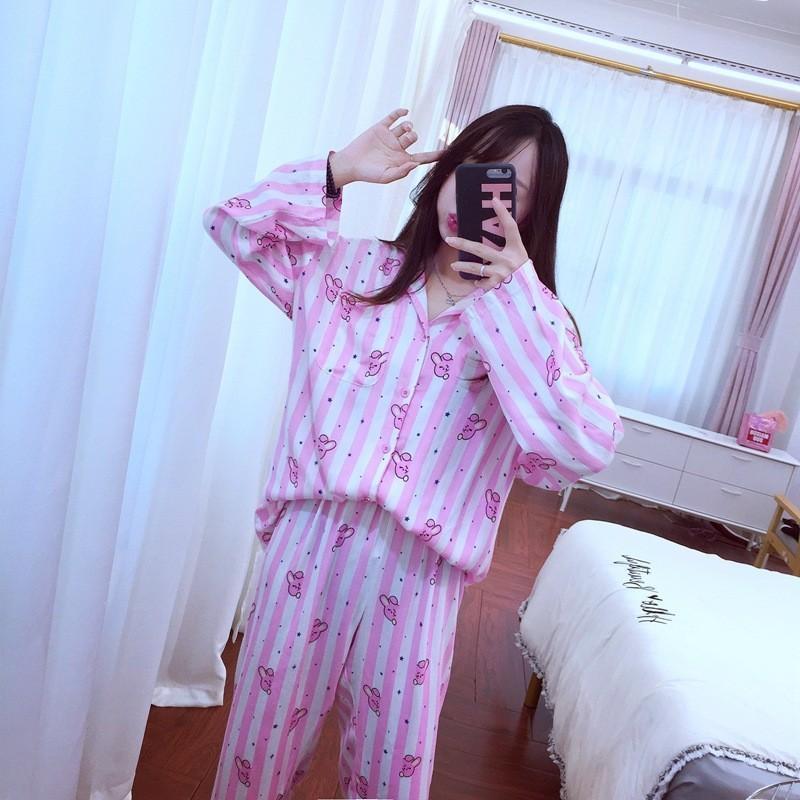 bd5fee7c Compre BTS Kpop Bangtan Boys V J HOPE RM El Mismo Estilo Coreano Lindo BT21  Pijamas De Dibujos Animados Trajes ARMY Camisas De Manga Larga Moda Bedgown  A ...