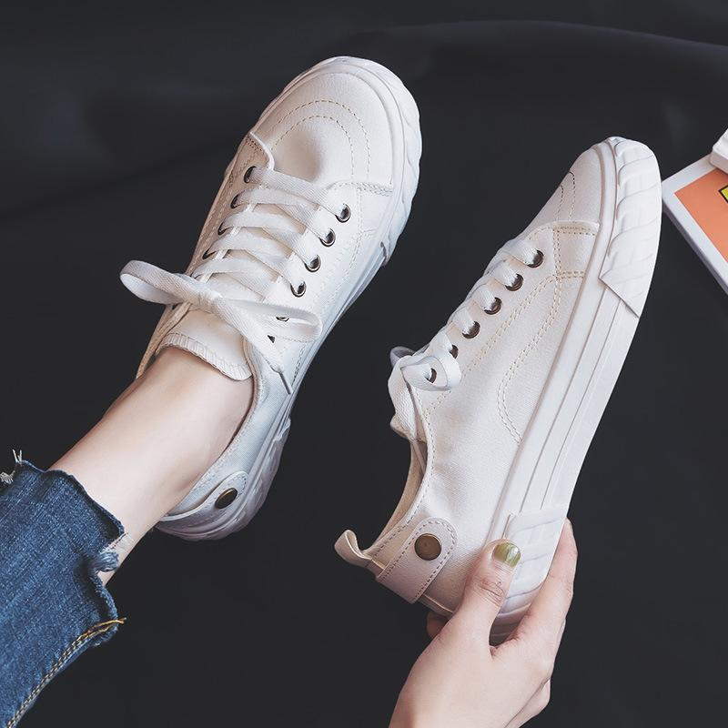 In the autumn of 2019 new Korean female flat running shoes lace canvas shoes sports shoes female breathable