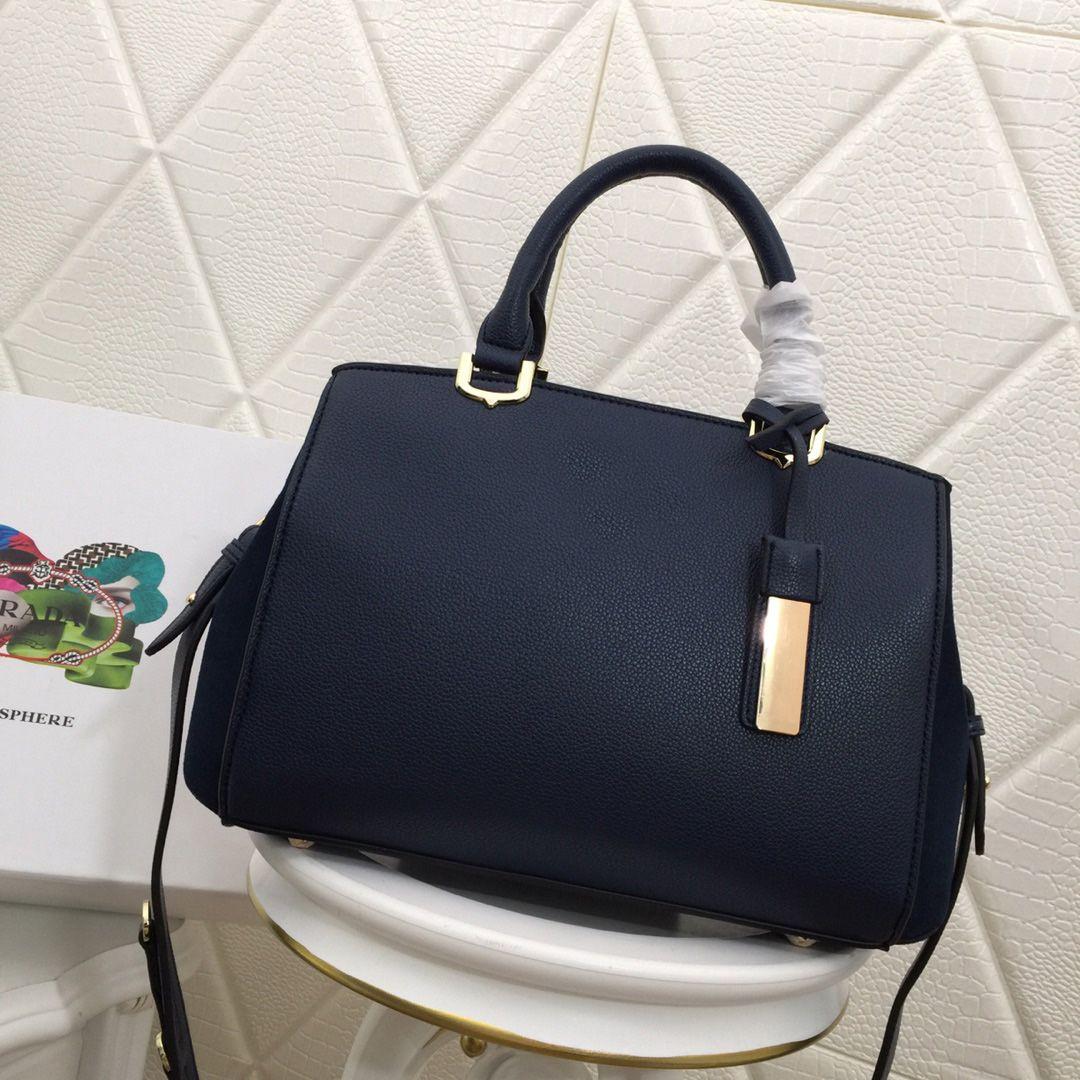 Europe Genuine Leather Luxury Brand Women Bags Handbag Famous Designer  Handbags Ladies Handbag Fashion Tote Bag Women S Shop Bags Backpack  Backpacks ... 50f230fd3f