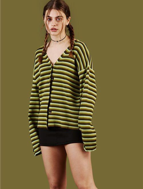 8bdb380d4 2019 Unif Vintage Avocado Green Black Striped Knitted V Neck ...