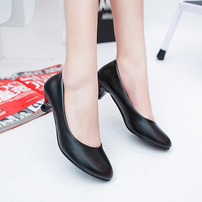 3657f65a5a8 Designer Dress Shoes Women Low Heels Black Slip On Basic Pumps Woman Boat  Leather Dress Zapatos Mujer 562hj Birkenstock Shoes Brown Dress Shoes From  Shoe4