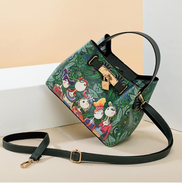 Manufacturers direct sale of 2019 new printed women's bags fashion forest series single-shoulder crossbody clutch women's bags