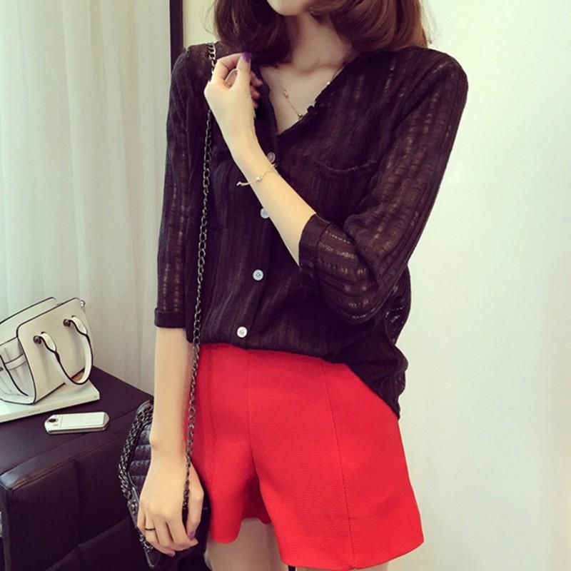 f3dd74f61c87 Nueva camisa de manga larga suelta con cuello en V sólido camisa casual de  algodón salvaje camisa de fondo mujer coreana moda primavera