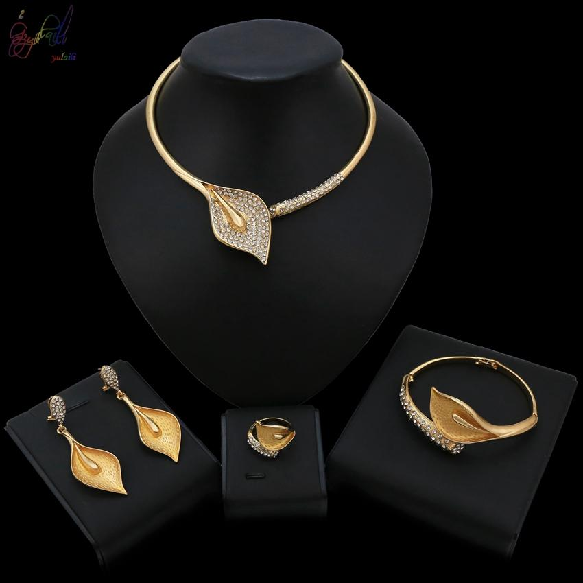 Elegant Design Pental Leaves Shape Alloy Gold Color Plated Jewelry Sets For Women Costume