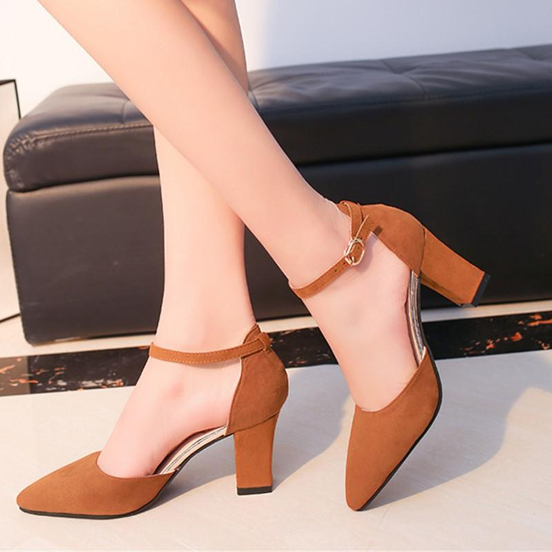 18c9145ff5b Sandalia Feminina 2019 summer new Wild High-heeled shoes pointed Word  buckle sandals Rough with Women Single shoes s0010-1