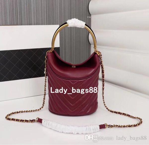 Luxury Women V Wave Pattern Shoulder Bag Metal Handle Bag Quilted Chain  Crossbody Bag Designer Handbags Bucket Purse Casual Tote Handbag Branded  Handbags ... ea919eb403fa0