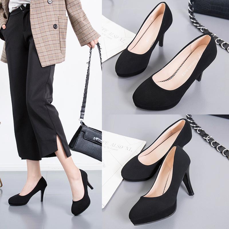8355f04633 Compre Sapatos De Salto Baixo Preto Bombas Sapatos Mulher Mulheres Tamancos  De Couro Saltos Rodada Senhoras Alto Furlow Saltos Sapatos De Mulheres  Tamancos ...