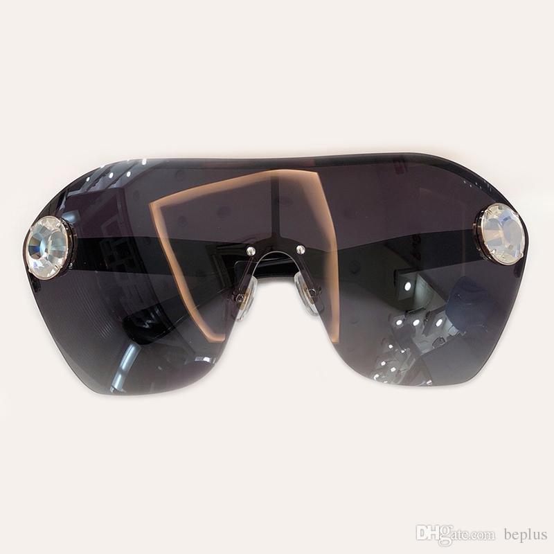 fd7250046 مصمم النظارات النساء المعتاد 2019 جديد خمر فاخرة السفر نظارات الشمس للإناث  جودة عالية ظلال uv400 68US
