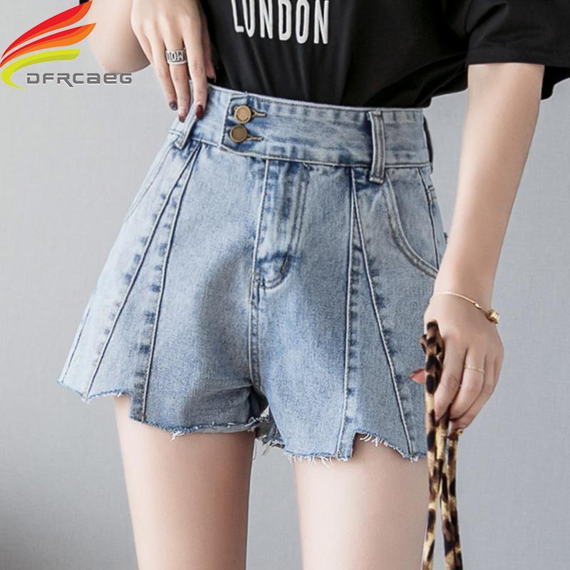bf5ea7ce0a Compre Jean Shorts Mujer Verano 2019 Pantalones Cortos Nuevos Botones Doble  Estilo De Calle Azul Denim Para Mujeres Coreano Moda Corto Mujer A  27.68  Del ...