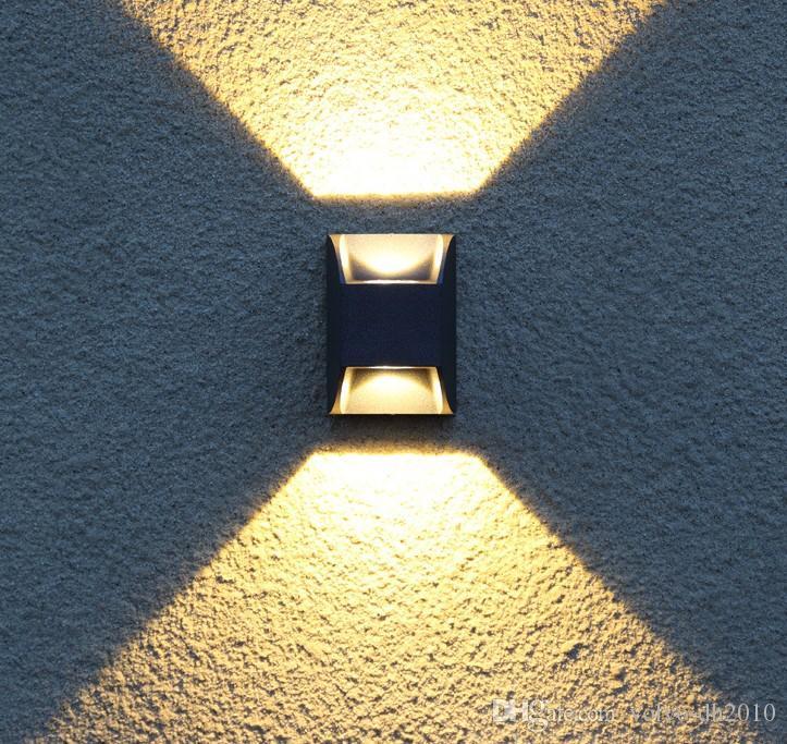 b42ac170c Compre Luz Exterior Moderna Led Lámpara De Pared Impermeable Lámpara De  Patio Ip65 Luz Led Exterior Luz De Abajo Luz De Pared Exterior Iluminación  Del ...