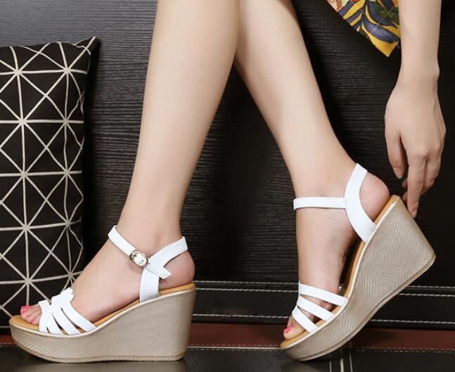 8e2c8fd3a5b Compre 2019 Zapatos De Moda Para Mujer Partido Sandalias De Cuña Cuero De  La PU Plataformas De Mujer Sandalias Antideslizantes Hebilla Zapatos De  Correa A ...