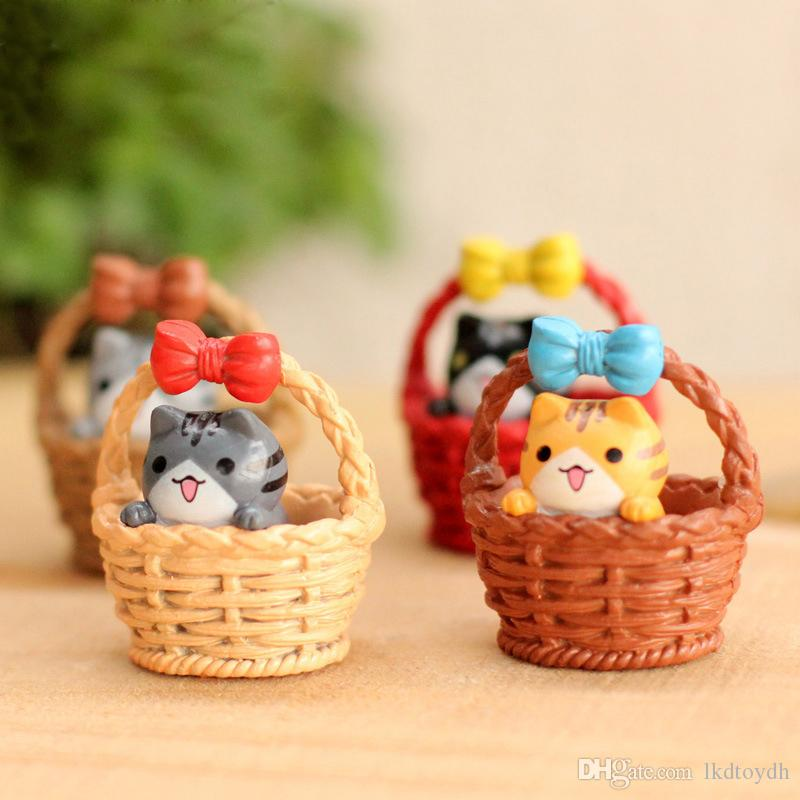 Mini Flat Bottom Bamboo Basket Cat Moss Micro-landscape Decoration Jewelry Doll Meat Material Home Decoration Figurines