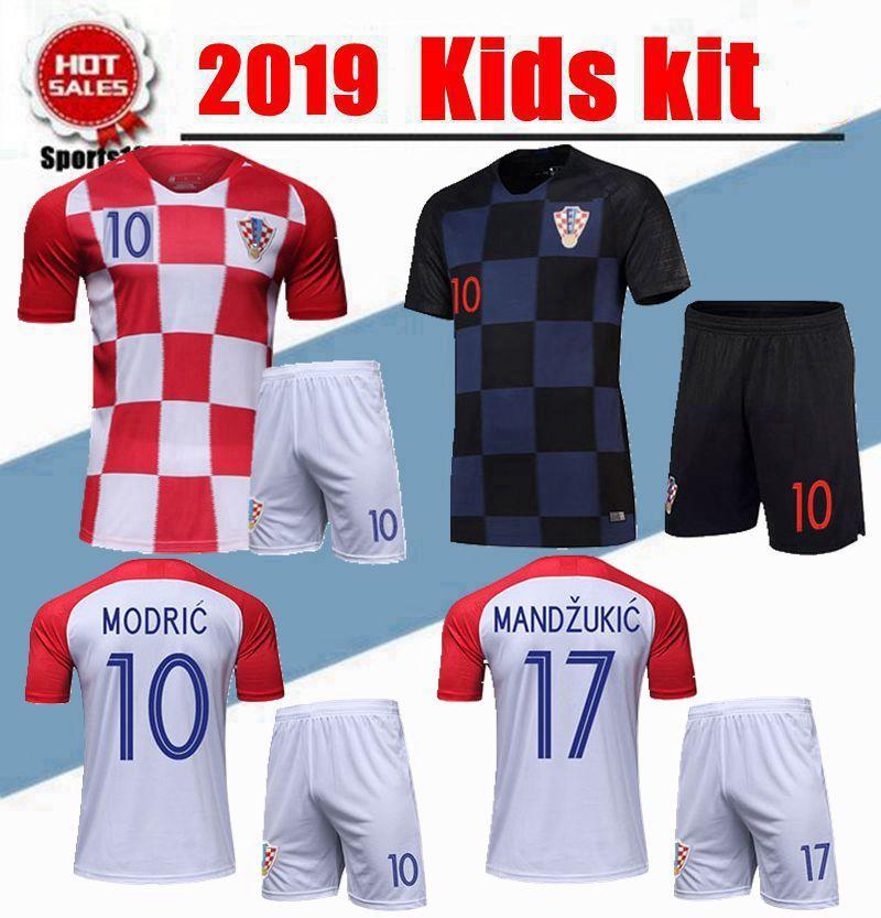 ffb4baa43428d Compre 2019 Kit Infantil Croacia Uniformes Rakitic Modric Kovacia Mandzukic    17 Kalinic   16 Juegos De Fútbol Para Niños Camisetas Camisetas De Fútbol  Para ...