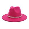 Gül kırmızı şapka